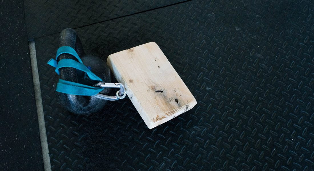Pinch Block with Kettlebell, Photo by Mei Ratz